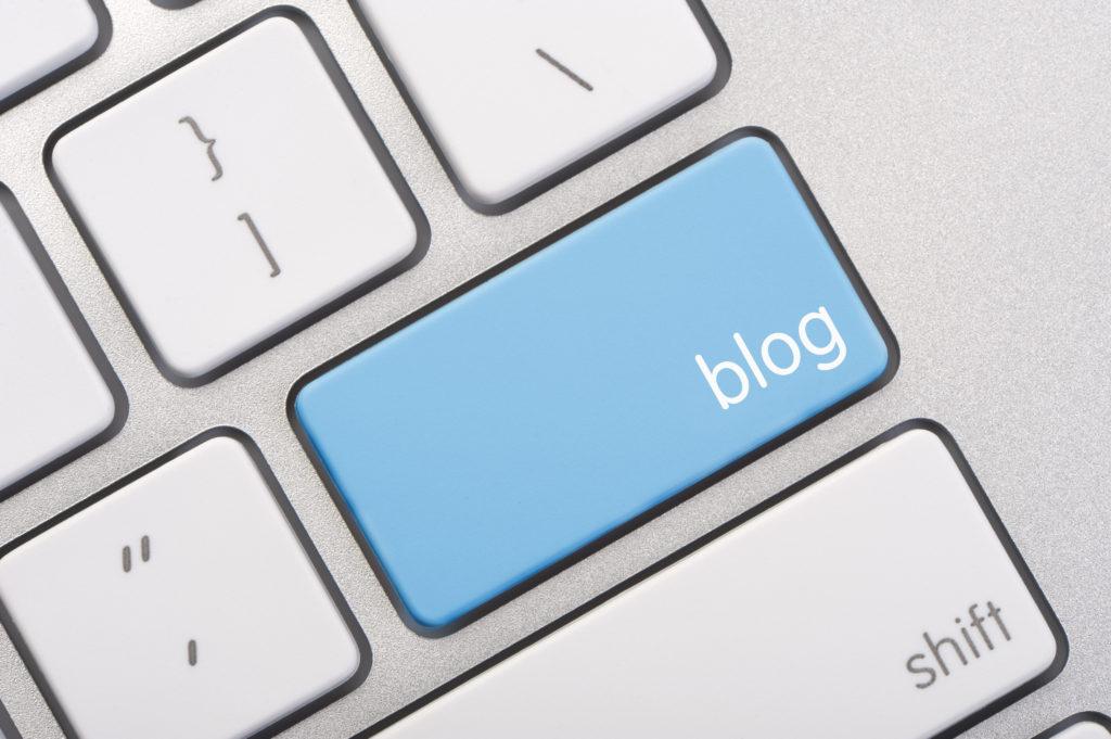 Computer key that says blog